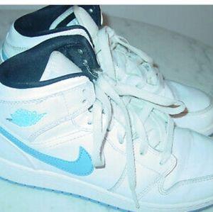 Nike Air Jordans 1Mid